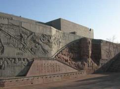 点击打开景区内景点:詹天佑纪念馆的详细介绍…