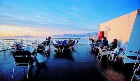 畅游挪威西海岸 沐浴在午夜阳光下